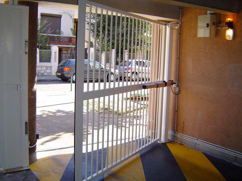 aso portail battant syndic copropriete installateur toulouse 09 31 32 81 82 aso alarmes portes. Black Bedroom Furniture Sets. Home Design Ideas